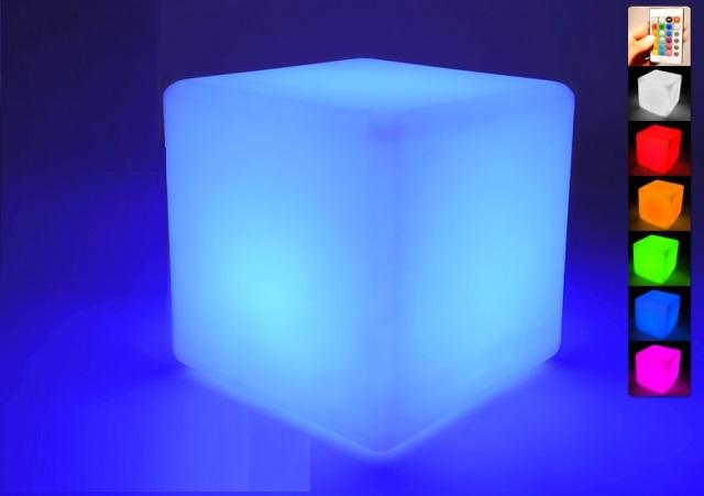 Location de cube et pouf lumineux en région parisienne