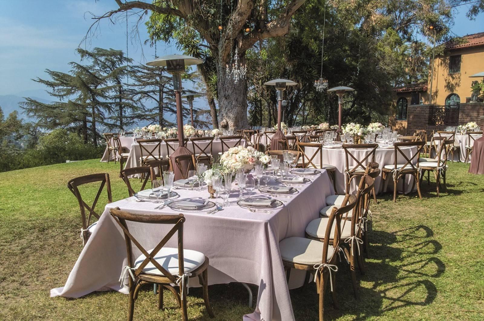 Chaise napol on blanche louer pour mariage en le de - Location de chaise pour mariage ...