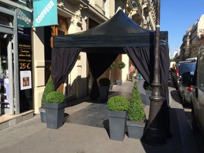 Location de tente noire pliante à Paris
