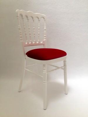 Location de chaise napoléon blanche avec assise bordeaux à Paris