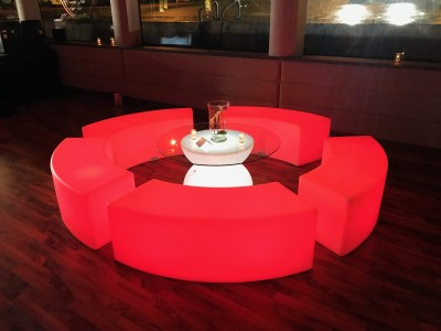 assises lumineuses à la location pour événement privé à Paris et en île de France