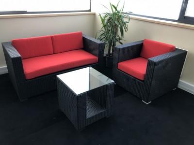 Location de fauteuil résine - Assise Rouge