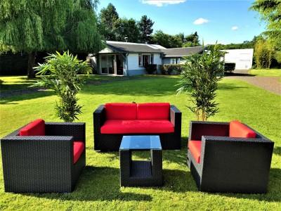 Canapé et fauteuil à la location pour événement extérieur près de Paris