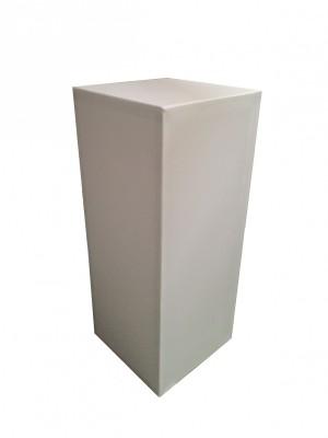 Location de stèle box houssée blanche en région Parisienne