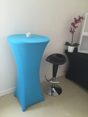 Location de table haute bleue turquoise à Paris