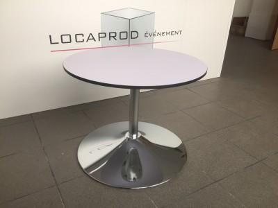Location de table basse ronde design pour salon d'exposition porte de Versailles