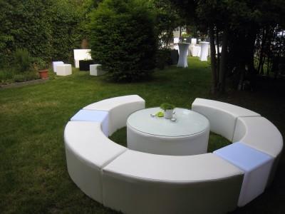 Location de table basse ronde XL avec assise à Paris