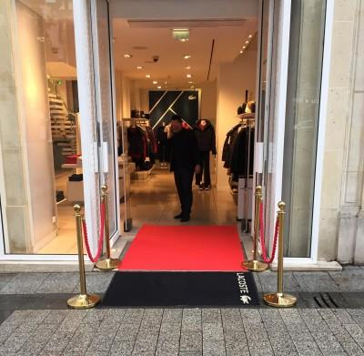 Vente de moquette et tapis rouge à Paris
