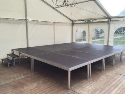 Location de scéne et podium brut sans habillage en Ile de France et dans l'Oise