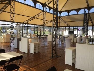 Location de mobilier lounge et parasol chauffant dans l'Oise