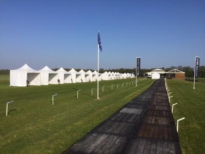 Location de tente pliante 3x3m à Chantilly