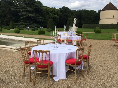 Location de chaise napoléon dorée en Ile de France