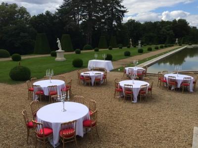 Location de table de réception à Paris