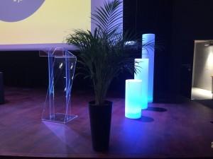 Louer un pupitre transparent pour conférence à paris 75